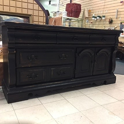 AMISH BARN-Rustic Black Dresser