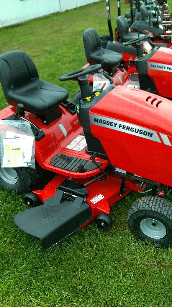 EKLUND- Massey Ferguson Riding Mower #2