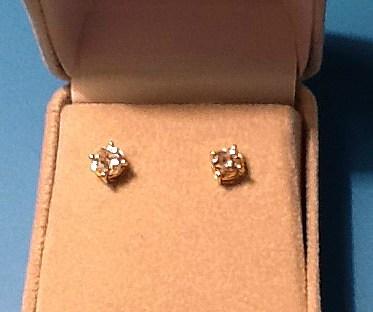 SILVERSMITH 4 -yellow-gold and diamond ear studs