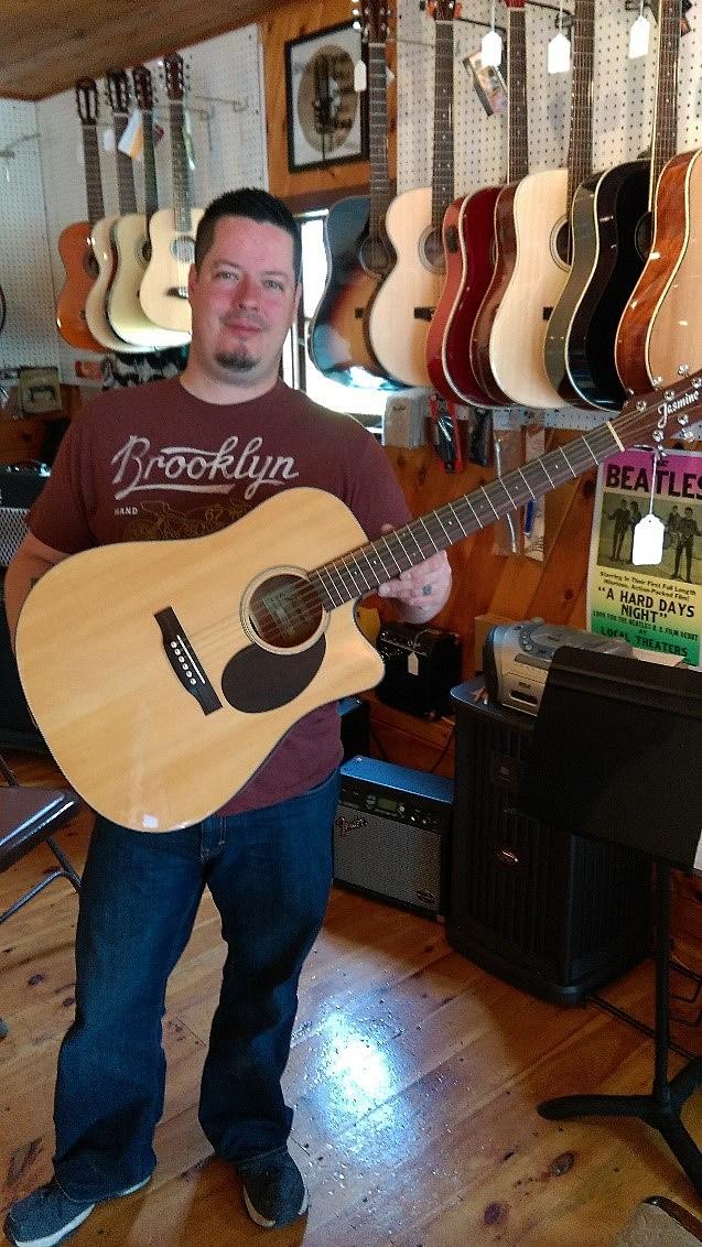 WALTON MUSIC-Jasmine Guitar made by Takamine
