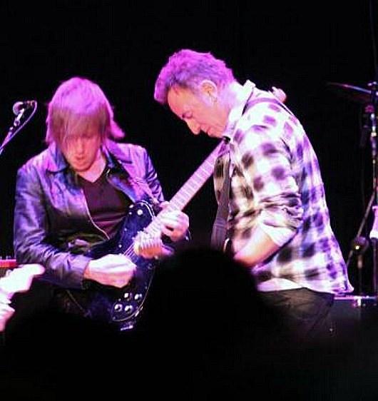 Matt Hogan (left) & Bruce Springsteen Credit: Hoganguitar.com