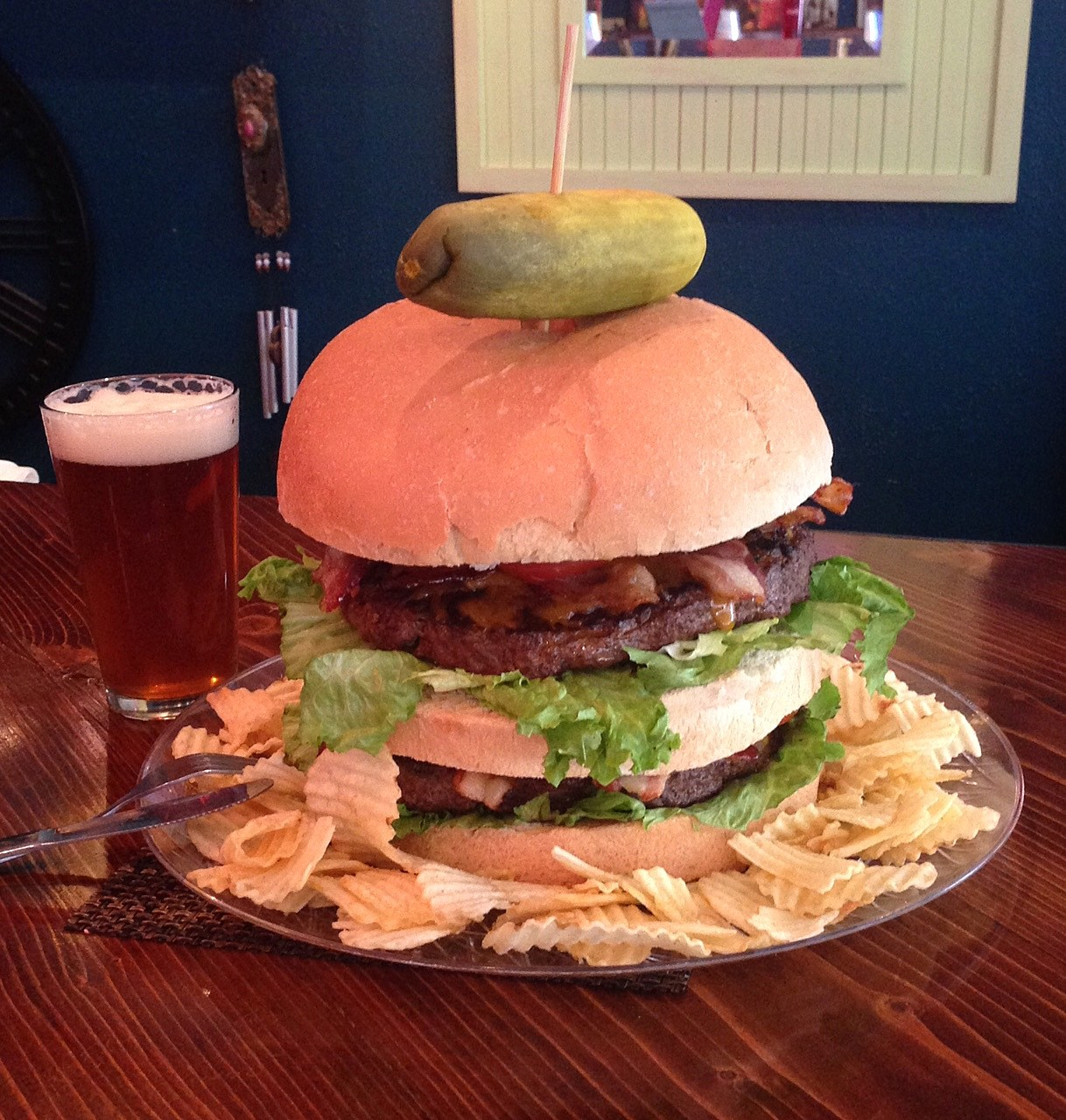 Humphries Top Dog Burger (Credit: Humphries Bistro)